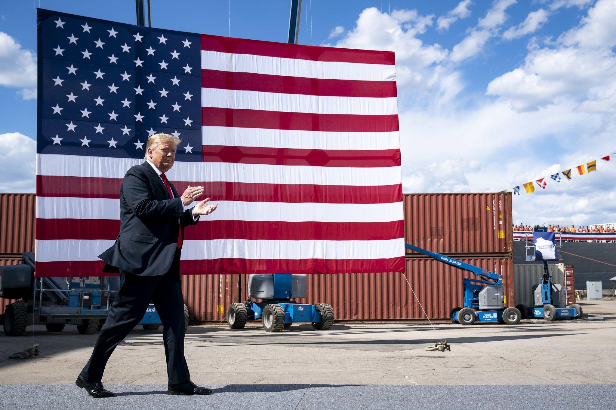 Трамп упрекнул Обаму в слабости перед Россией