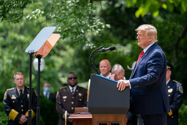 Трамп снова обвинил своего экс-советника Болтона в нарушении закона