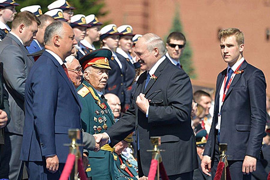 Лукашенко неожиданно назвал Москву «столицей родины»