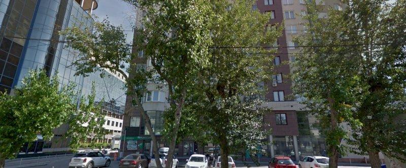 Элитный дом в центре Екатеринбурга остался без охраны из-за COVID-19