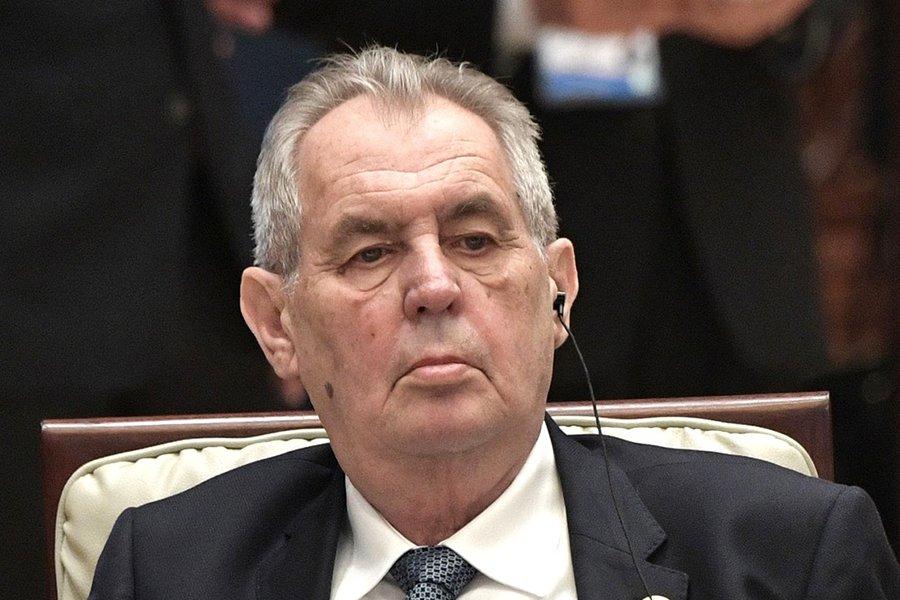 Президент Чехии отказался приехать на парад Победы в Москву