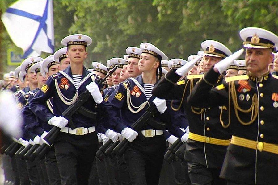 Украину возмутил парад Победы в Крыму