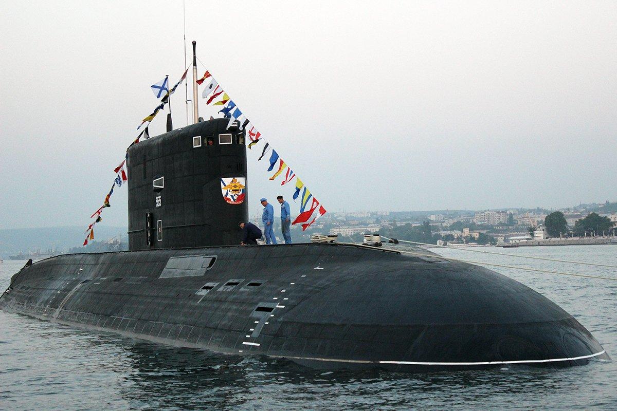 Российские подлодки в Средиземном море вызвали панику в США