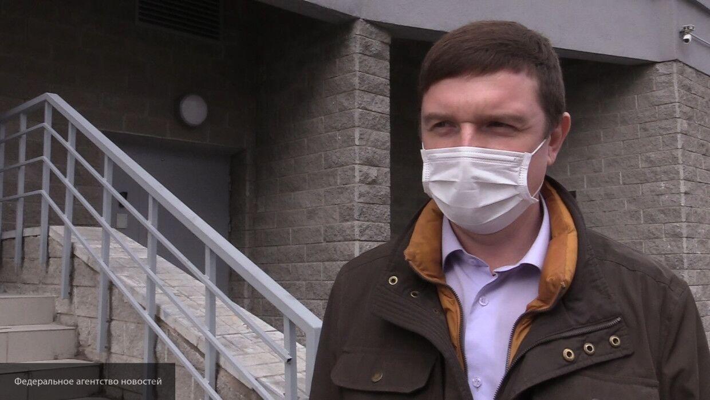 Депутат ЗакСа Цивилев призвал жителей Петербурга продолжать носить маски