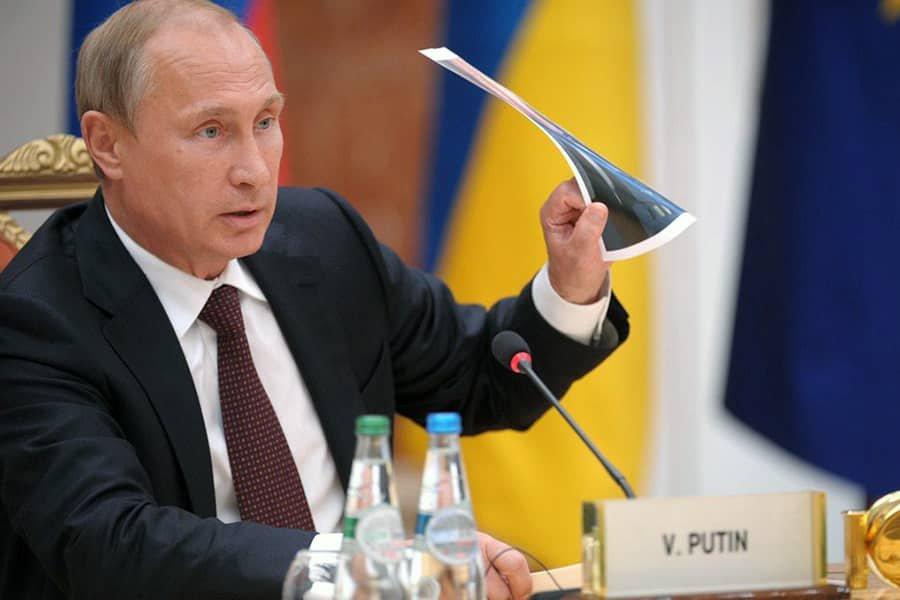 Путин заявил об отсутствии конфликта с Украиной