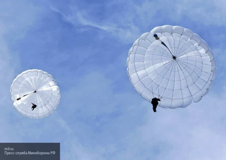 """Российские специалисты приступили к тестированию уникального парашюта """"Штурм"""""""