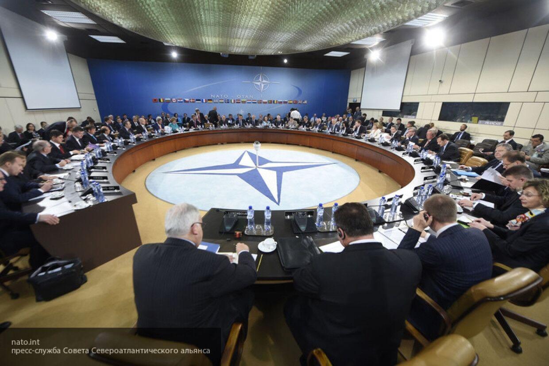 """НАТО испытывает тревогу из-за """"присутствия"""" РФ на учениях Dynamic Mongoose"""