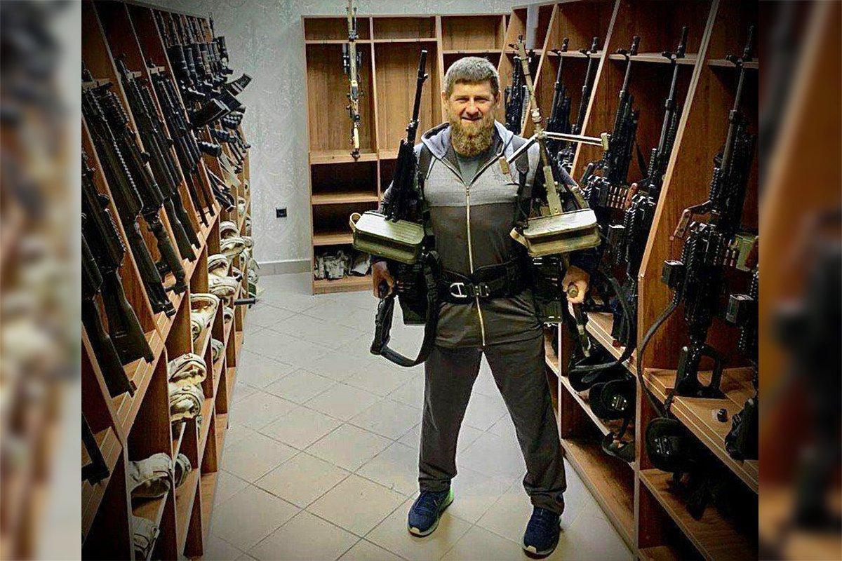 Кадыров ответил на заявление Помпео фотографией с пулемётами