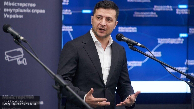 """Украинский политолог назвал Зеленского президентом с """"крестьянскими замашками"""""""
