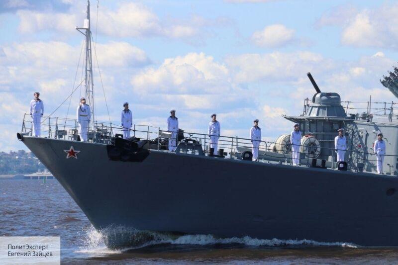 Иностранцы увидели в Сети кадры военно-морского парада и попросили Россию не топить Англию