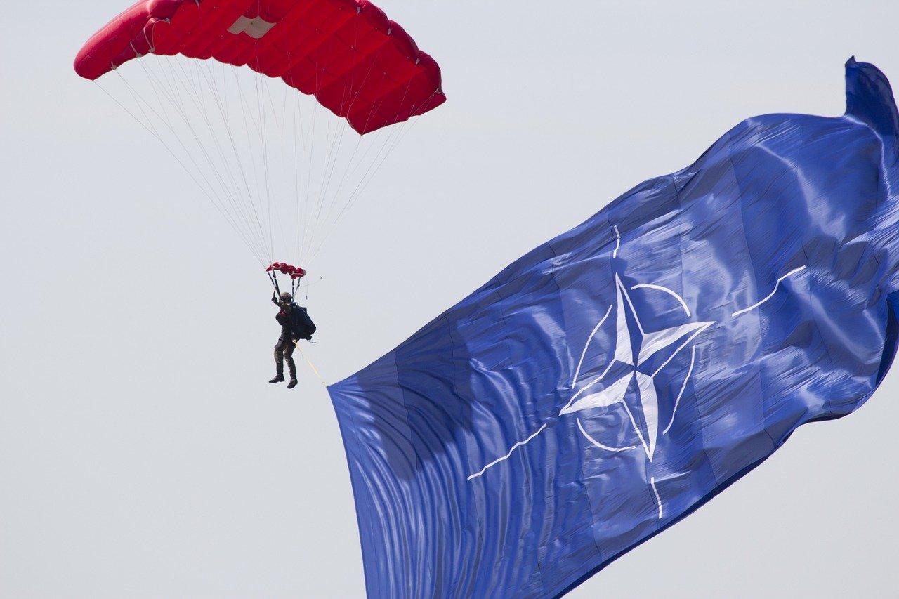 Эстония обсудила с НАТО защиту от «российской угрозы»