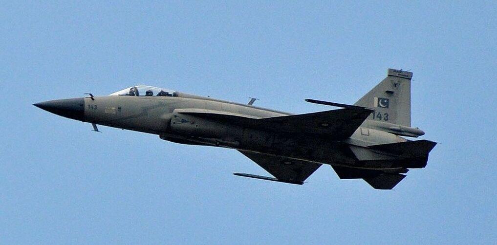 Sohu рассказало, чем Китаю грозит установка российских двигателей в истребители JF-17