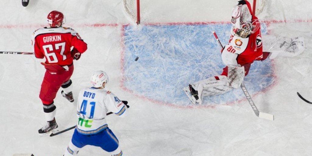 Якуб Коварж из «Автомобилиста» стал лучшим вратарем первых матчей КХЛ