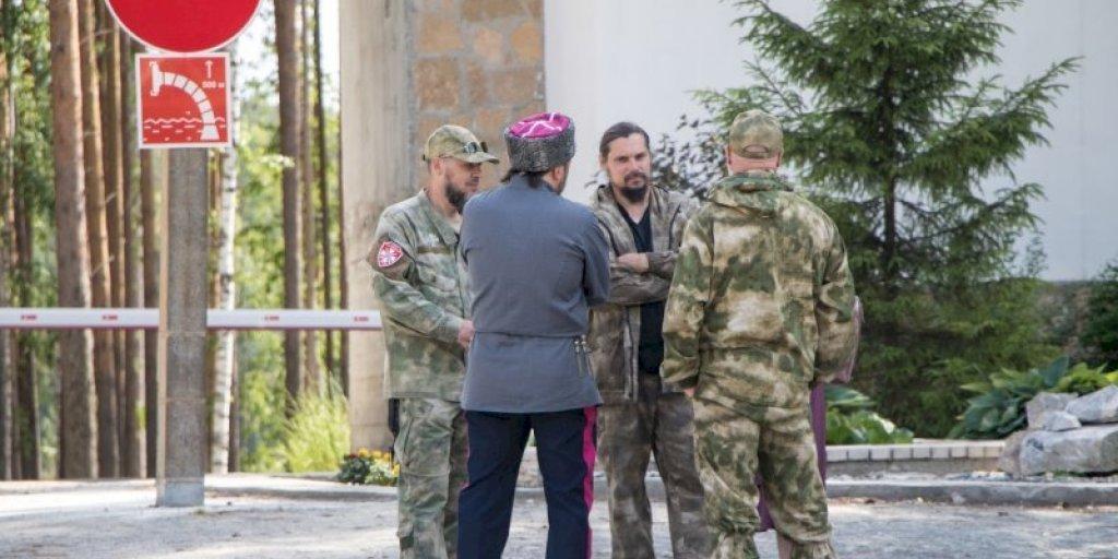 Казаки открестились от коллег, пристававших к «неправильно одетым» прохожим в центре Екатеринбурга